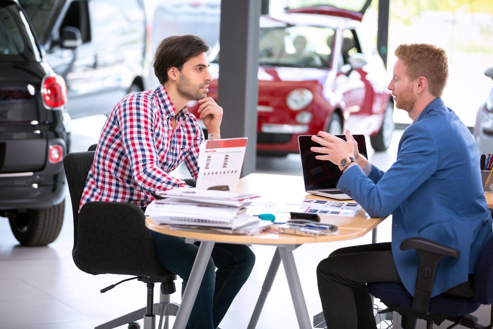 auto dealership sales rep