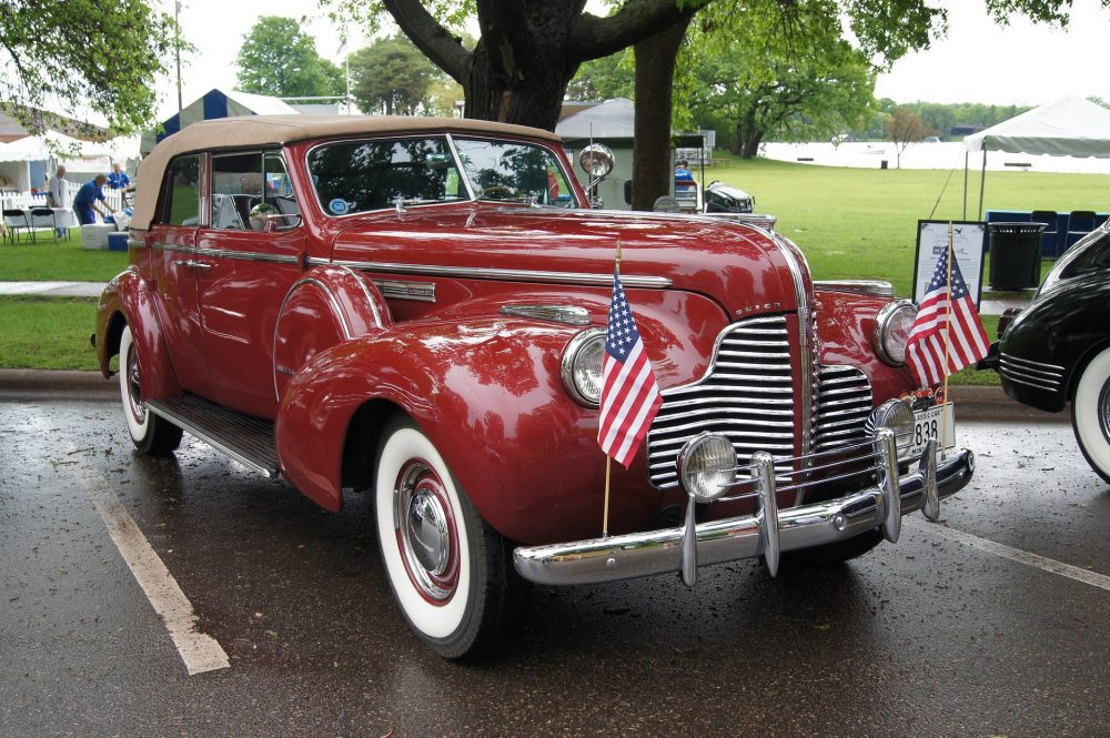 A 1940 Buick Limited, like the one driven by Virgil Sollozzo in The Godfather