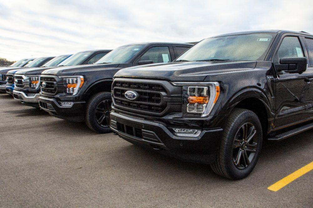 2021 Ford F-150 shipments begin | 2021 Ford F-150 Wins Kelley Blue Book Best Buy Award