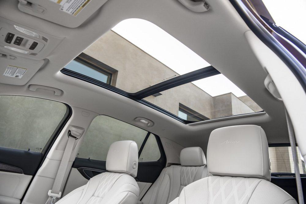 2021 Buick Envision panoramic moonroof