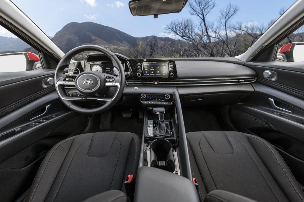 2021 Hyundai Elantra front seats and dash