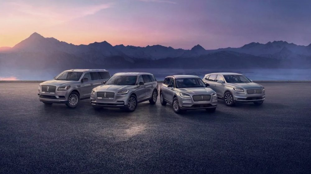 """The Lincoln Navigator, Aviator, Corsair, and Nautilus star in the """"Comfort in the Extreme"""" ad campagin"""