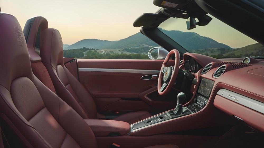 Porsche Boxster 25 Years (cockpit side)
