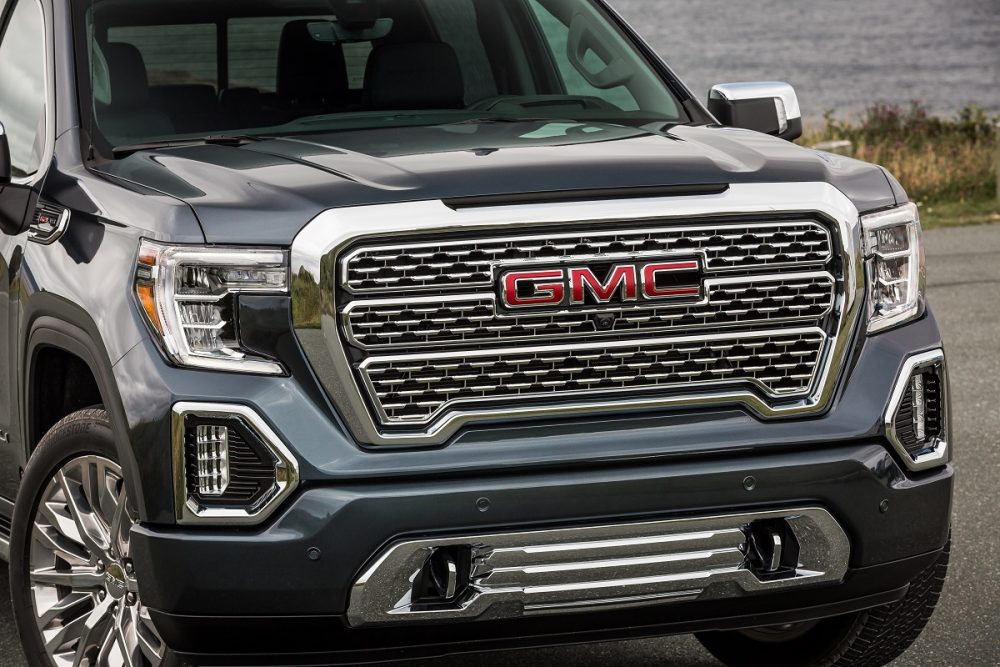 Close-up front view of 2021 GMC Sierra 1500 Denali