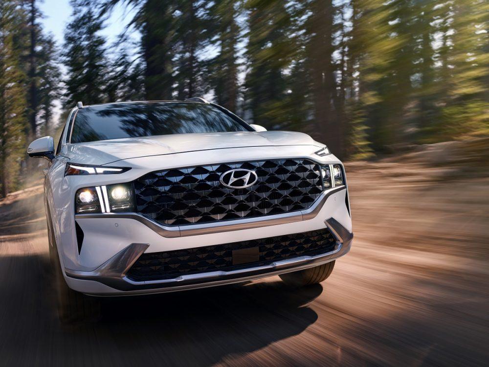2021 Hyundai Santa Fe front close-up