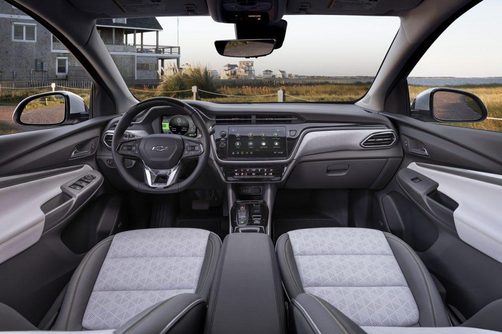 2022 Chevrolet Bolt front seats