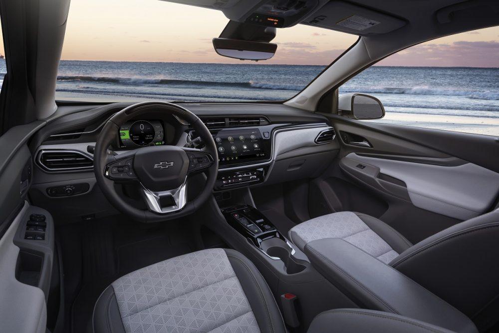 2022 Chevrolet Bolt EUV front seats