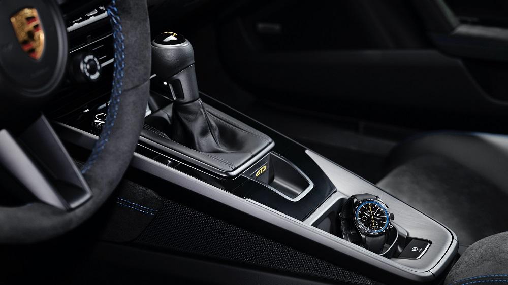 2022 Porsche 911 GT3 center console details