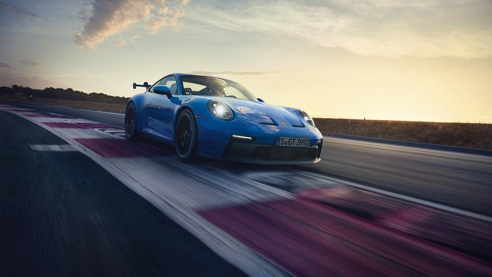 2022 Porsche 911 GT3 front-side view