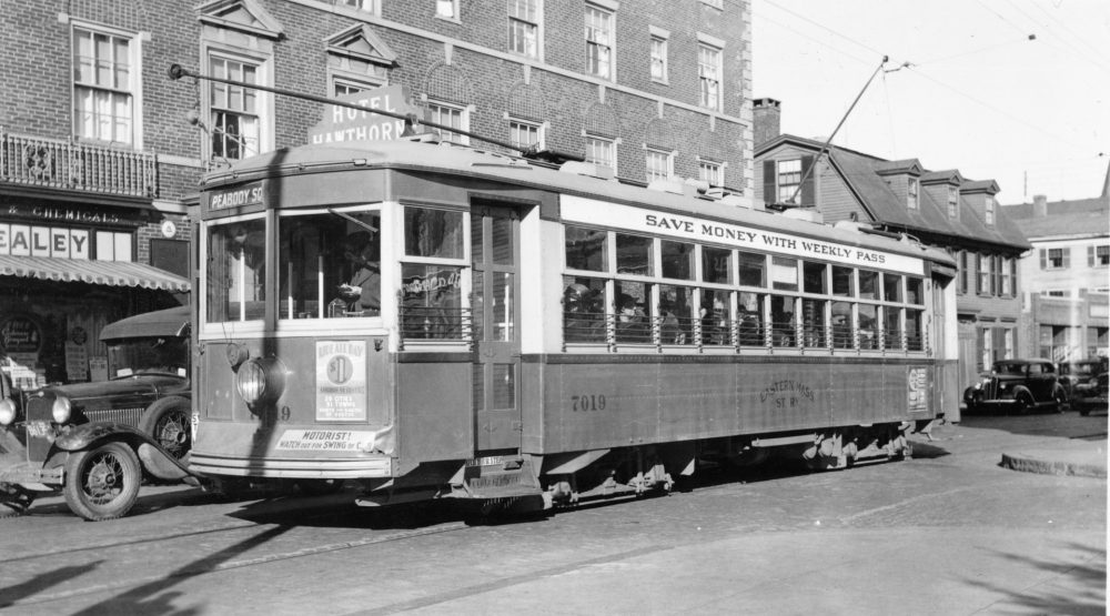 An old-timey streetcar from 1930