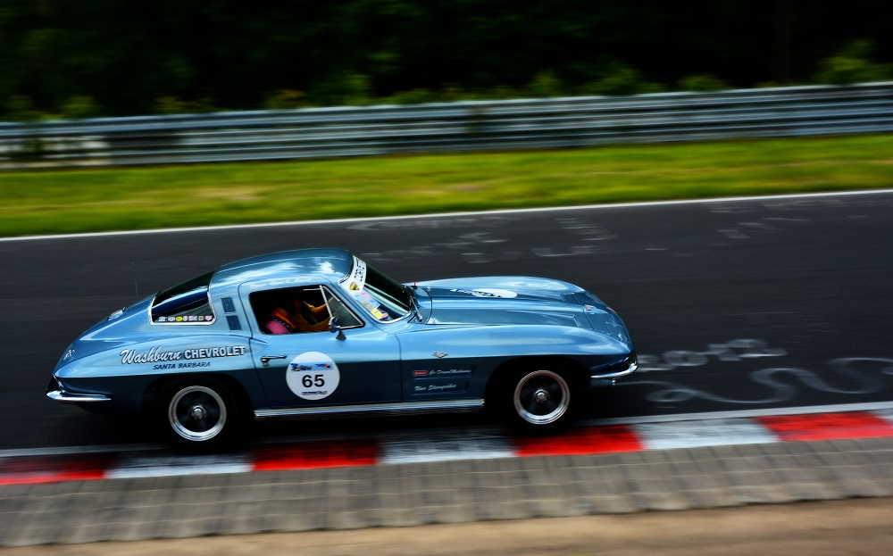 Classic Corvette during Nordschleife Tourist session