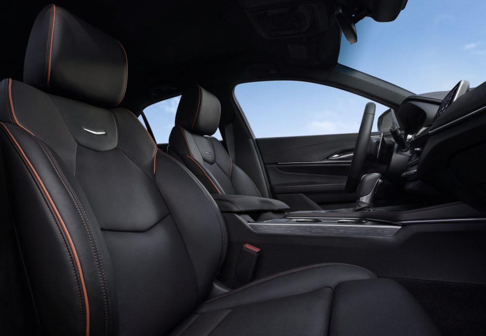 2021 Cadillac CT4 front seats
