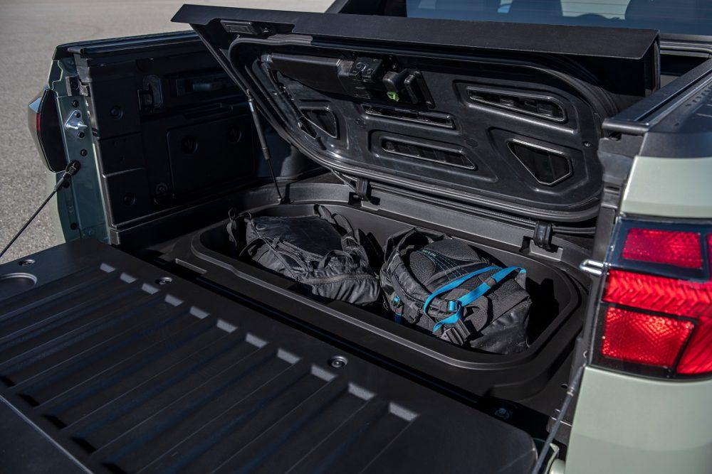 2022 Hyundai Santa Cruz lockable bed storage compartment