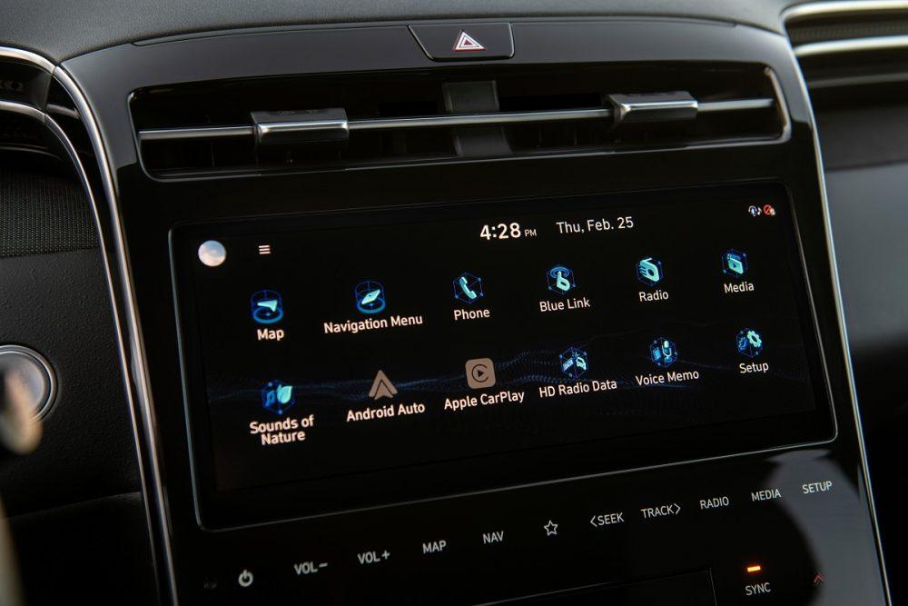 2022 Hyundai Santa Cruz infotainment screen