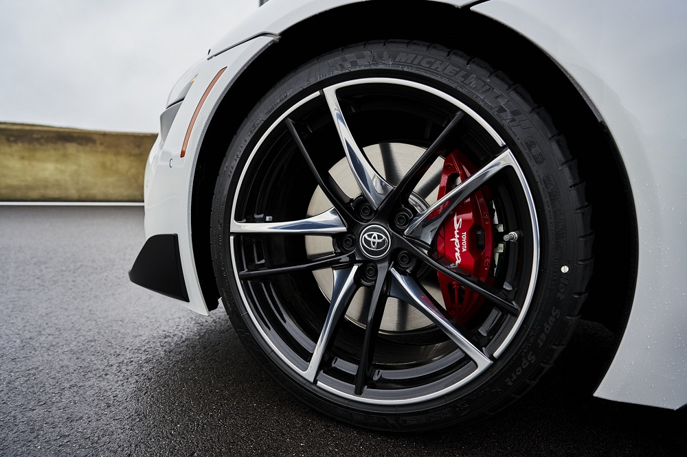 2021 Toyota GR Supra 3.0 Premium low profile tire