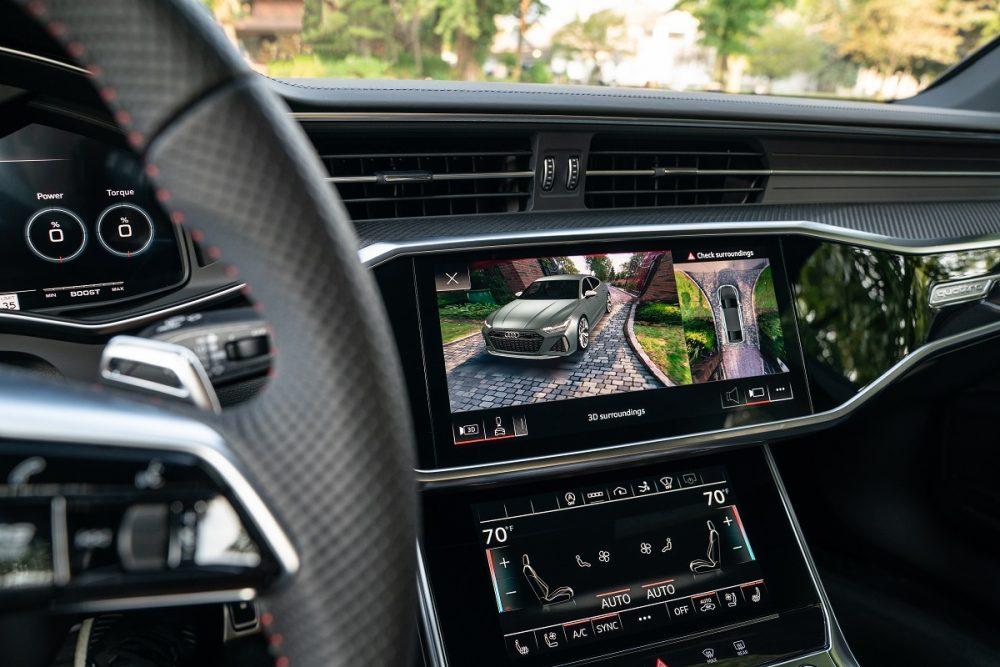 2021 Audi RS 6 Avant interior infotainment screen dashboard