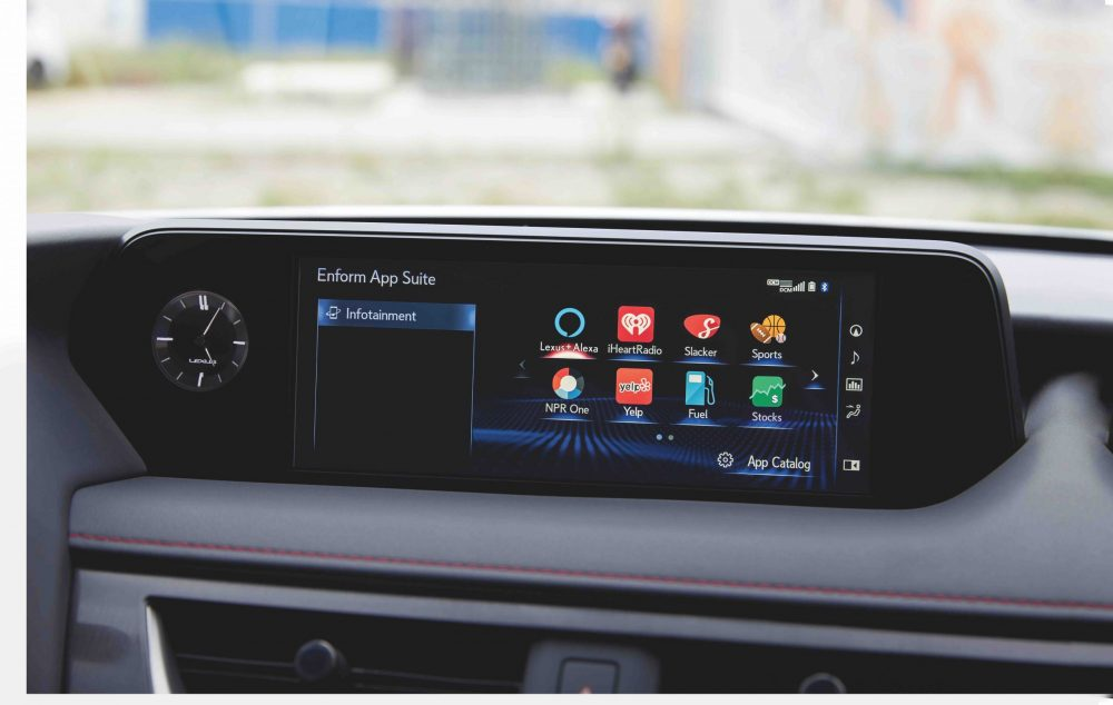 2021 Lexus UX infotainment center