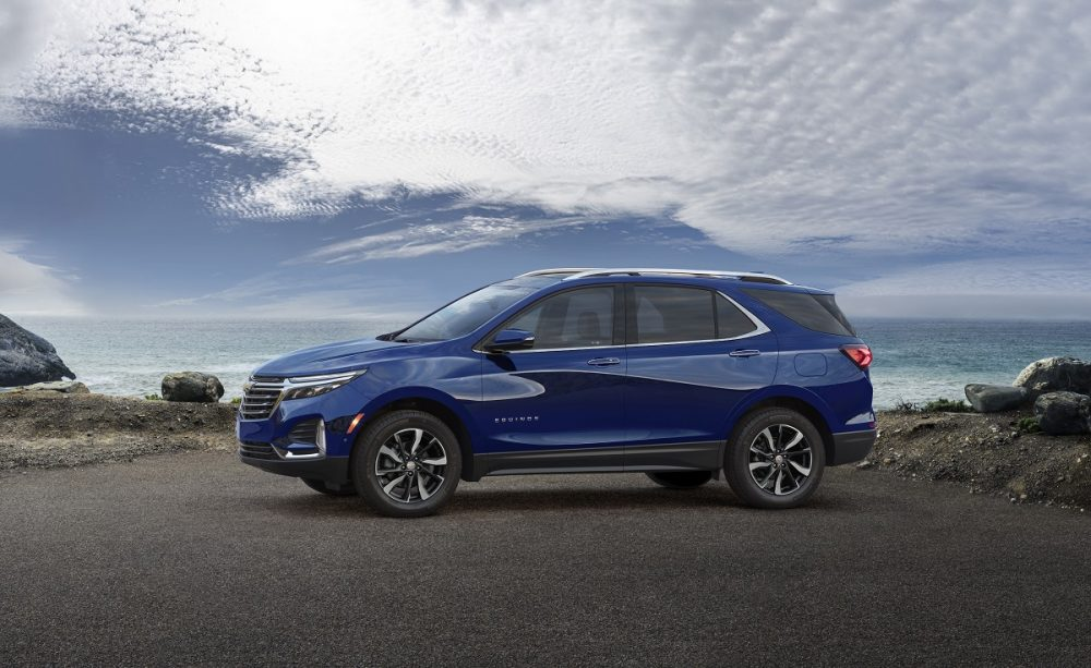 Side view of 2022 Chevrolet Equinox