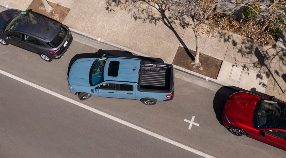 2022 Ford Maverick XLT with 2.5-liter Atkinson-cycle hybrid parking