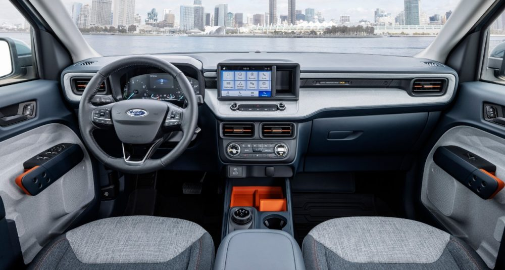 2022 Ford Maverick XLT with 2.5-liter Atkinson-cycle hybrid Navy Pier interior center console