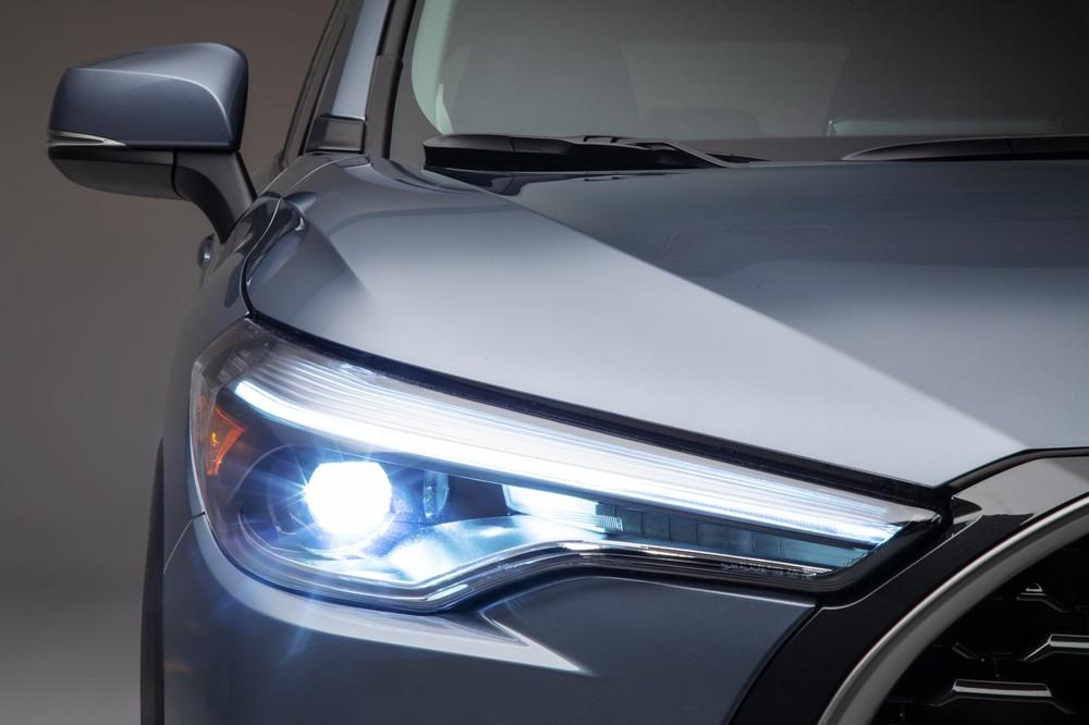 2022 Toyota Corolla Cross Celestite LED headlights