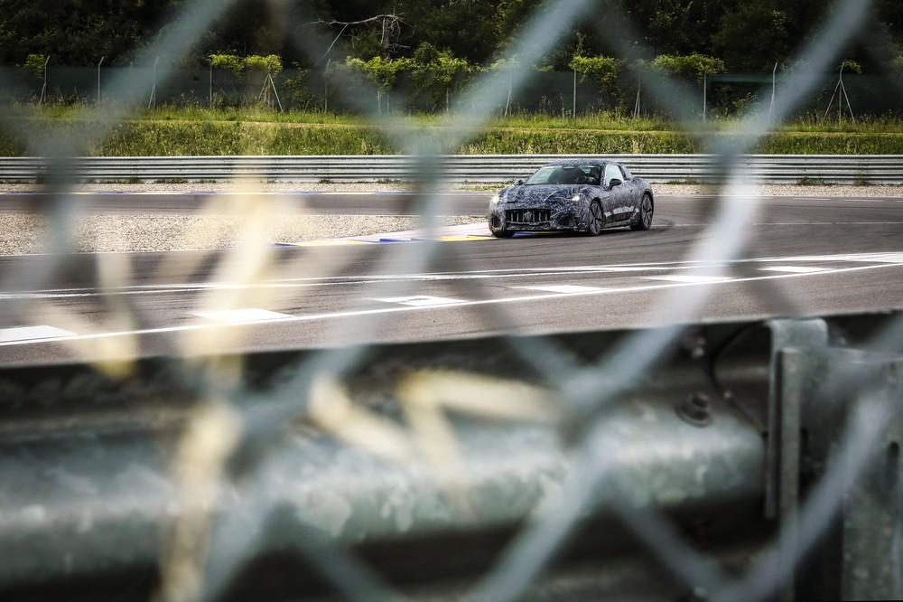 New Maserati GranTurismo teaser spy shot