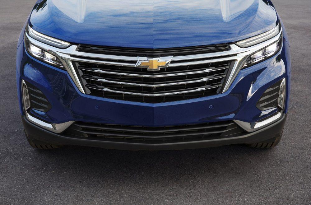 Gros plan de la calandre Chevrolet Equinox Premier 2022