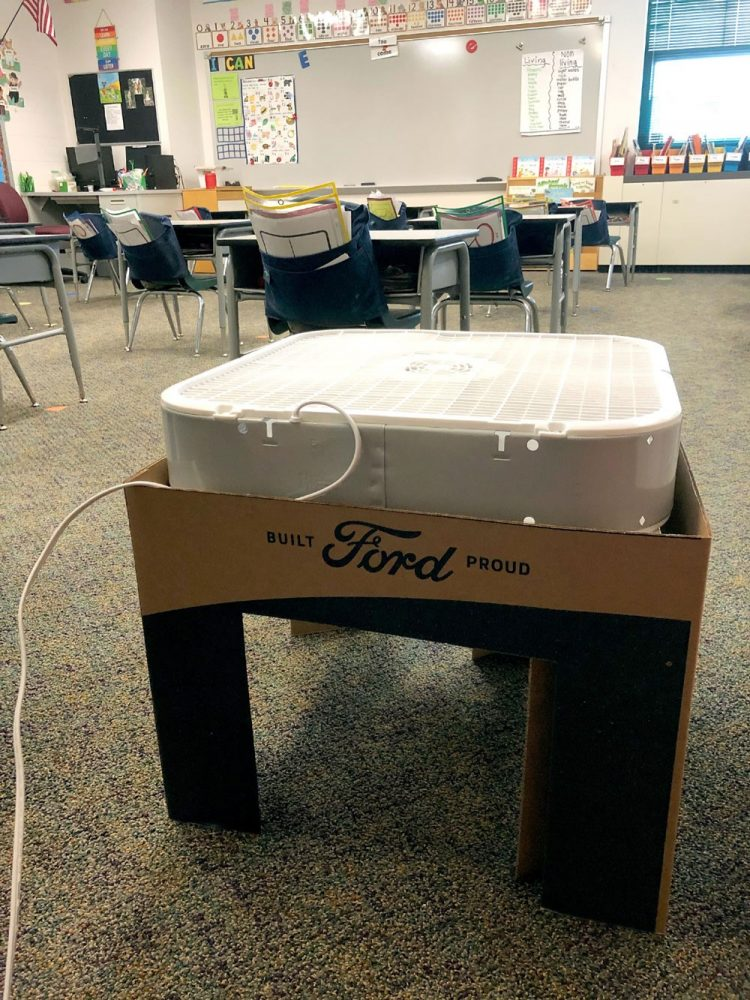 A constructed Scrappy Filtration DIY air filtration kit, which can be used to help classrooms minimize COVID-19 spread