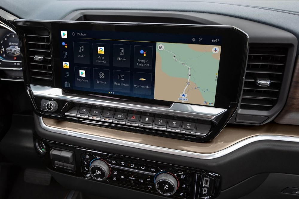 Close-up of 2022 Chevrolet Silverado 1500 High Country 13.4-inch touch screen