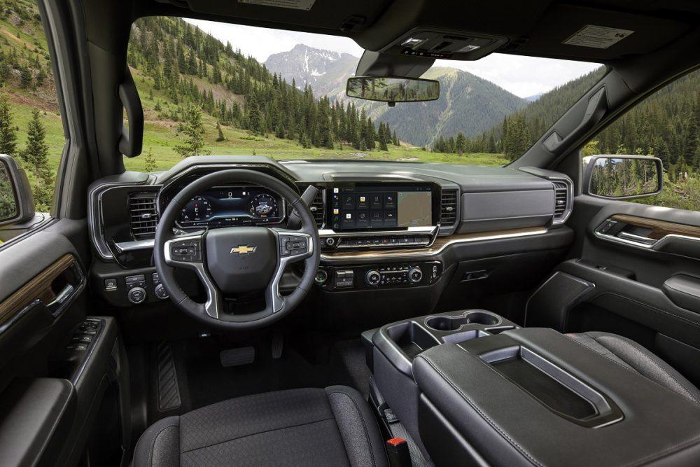 2022 Chevrolet Silverado 1500 LT seats, steering wheel, dashboard, and console