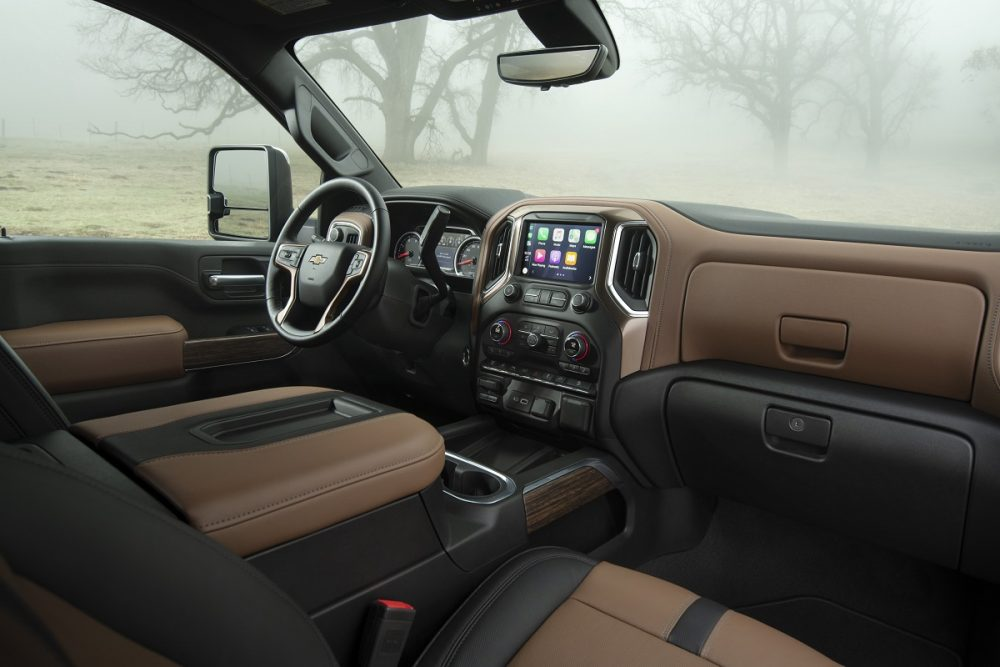 Interior front view of the 2022 Chevrolet Silverado 2500HD in brown and black