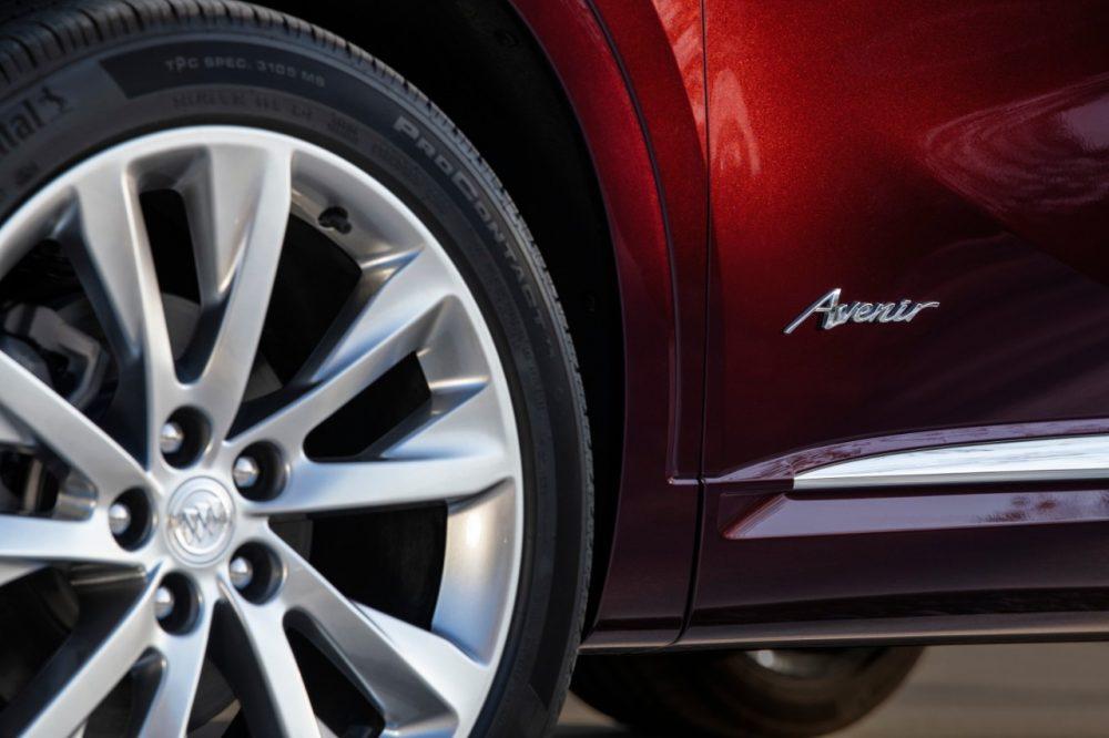 2022 Buick Envision Avenir Badge